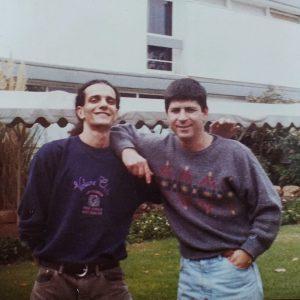 אבי (מימין) עם המדריך זיו כהן, 1992